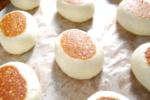 焼き饅頭/中餡に北海道産小豆で作ったこし餡を入れ、山芋を饅頭皮に使用してしっとり蒸し上げました