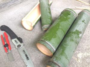 竹水、器の加工/切って来た竹を器として加工していきます